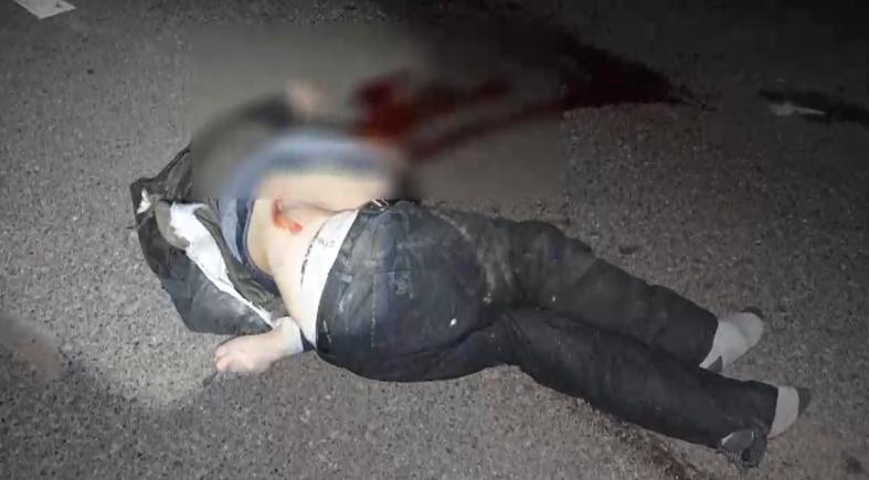 视频|惨烈!路人被撞后又遭两车碾压命丧车轮