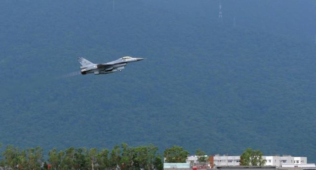 台湾地区装备F-16战机