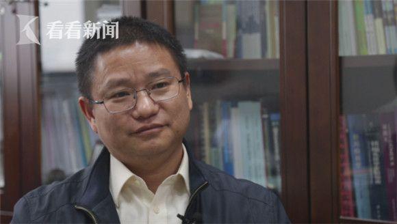 全国动物防疫专家委员会动物流感组组长廖明,长期参与广东省政府决策级H7N9等流感防控工作讨论。