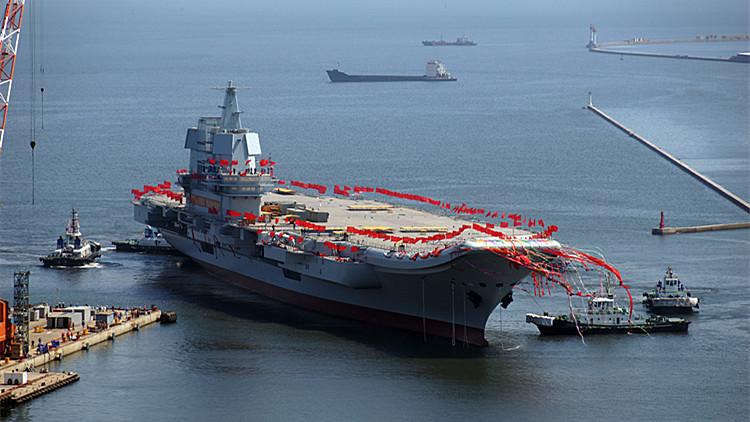 视频|震撼!延时镜头下的中国首艘国产航母出坞下水全过程