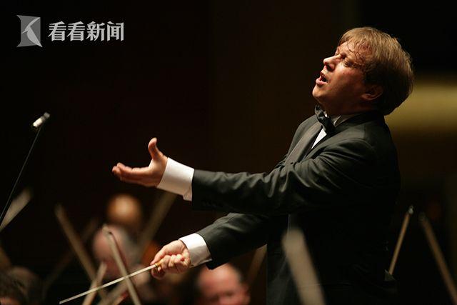西雅图交响乐团音乐总监路多维克·莫洛