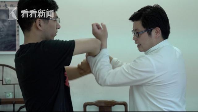 """朱挺和学员练习""""黐手"""""""