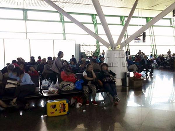 滞留哈萨克斯坦的中国乘客们