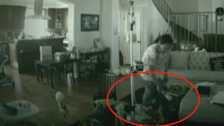 保姆残忍殴打2岁男孩 母亲看到监控后晕厥