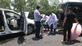 视频 把儿童车当警示标志摆放 奔驰司机高速快车道上换备胎被撞身亡