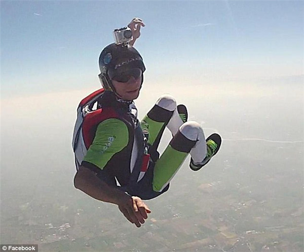 跳伞1.jpg