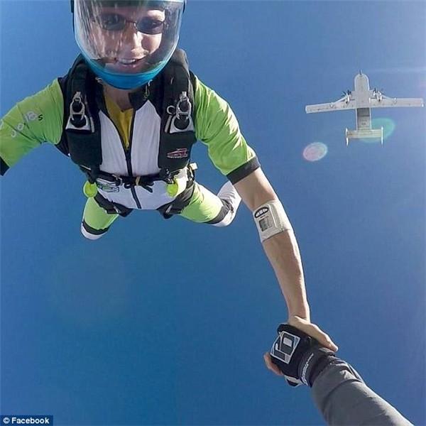 跳伞2.jpg