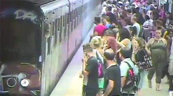 地铁1.jpg
