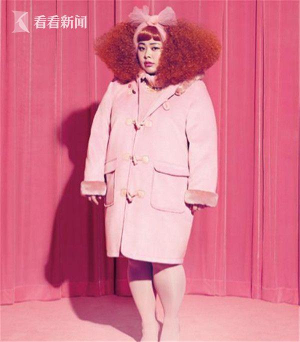 渡边直美为自己的品牌当模特