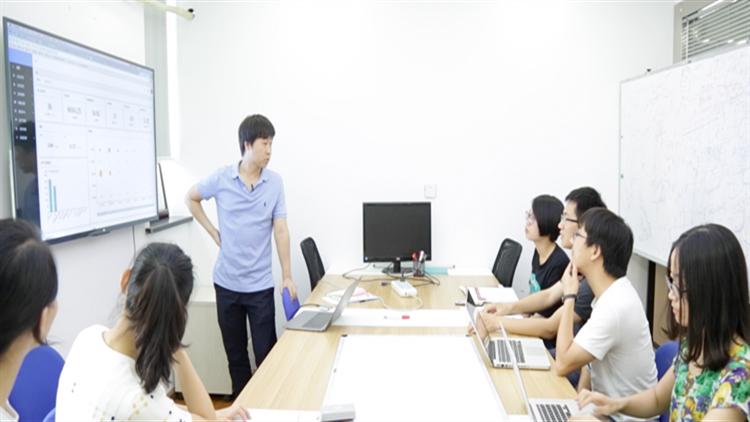 视频|毕业季抢人大战|背靠互联网+的杭州策略