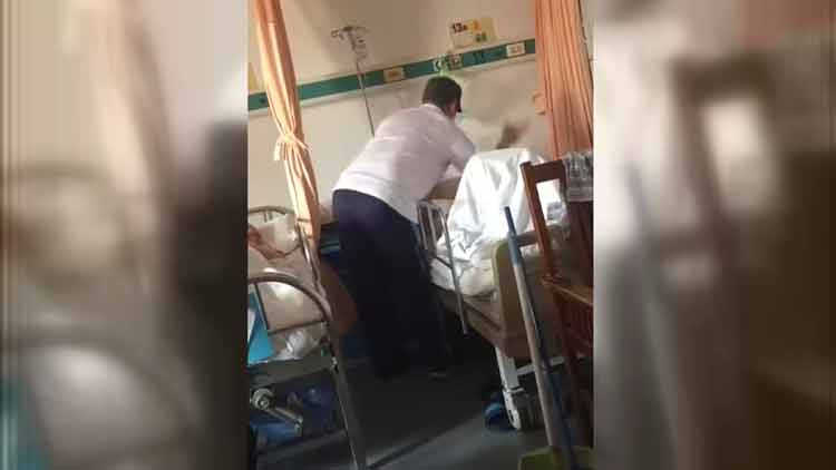 孝子or逆子?儿子病房虐打86岁老父 家属却说…