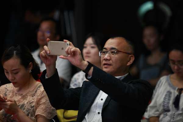 东方卫视中心总监、东方娱乐传媒集团有限公司总经理-李勇.jpg