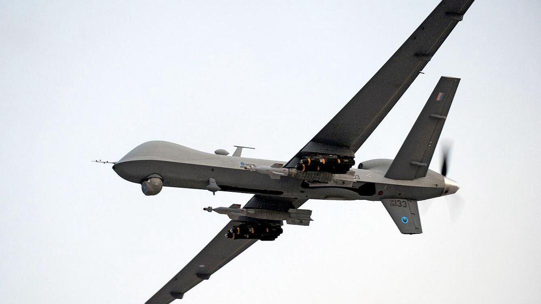"""无人机精确打击 轰炸中断""""伊斯兰国""""公开行刑"""
