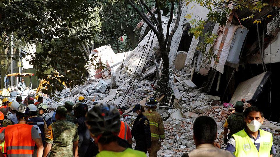 演习刚结束地震就来 墨西哥民众:以为仍在演习