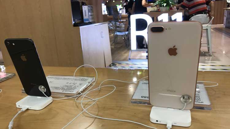iPhone 8上市货源充足 消费者观望居多