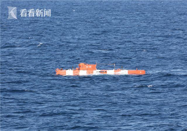 俄深潜救生艇