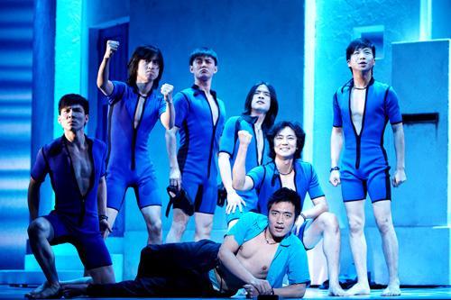 男群舞ensemble.jpg