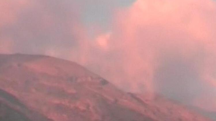 巴厘岛火山或即将喷发 一万余人撤离