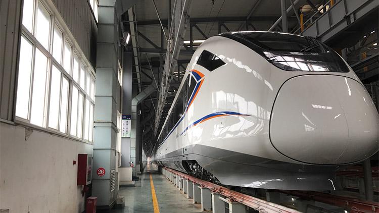 上海金山铁路28日上线新列车 载客量大幅提高