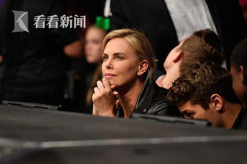 UFC的明星粉丝 查理兹・塞隆
