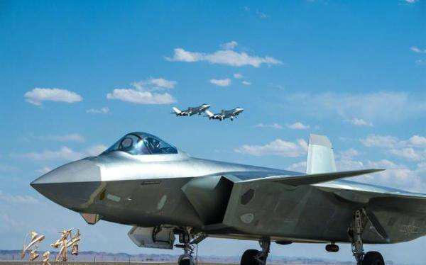 《空天猎》歼-20.jpg