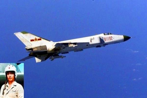 2001年4月1日驱逐外机角逐中牺牲的我海军飞行员王伟烈士和其81192歼八战机
