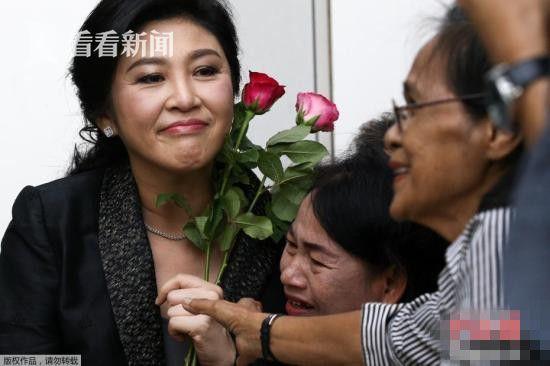 当地时间2017年8月1日,泰国前总理英拉抵达最高法院出席大米收购案结案辩护陈词。