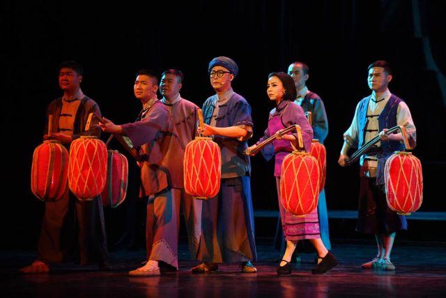 2017年3月9日,赣南采茶戏《永远的歌谣》在北京上演。一首传唱80多年的经典民歌《苏区干部好作风》唱出了人民群众的心声。(新华社记者 陈晔华 摄)