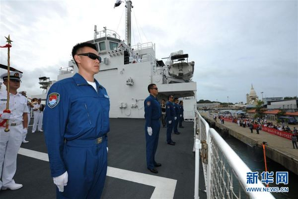 资料图片:2017年8月,中国海军和平方舟医院船抵达斯里兰卡科伦坡港,进行为期4天的技术停靠。