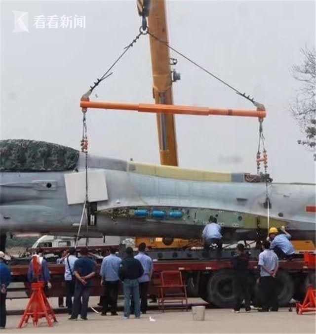 航空工业长飞维修歼-10A战机