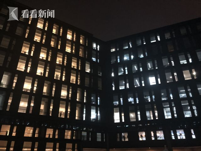 网易公司园区夜景.jpg