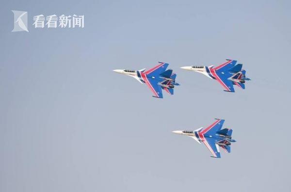 """使用苏-30SM的俄罗斯""""勇士""""飞行表演队"""