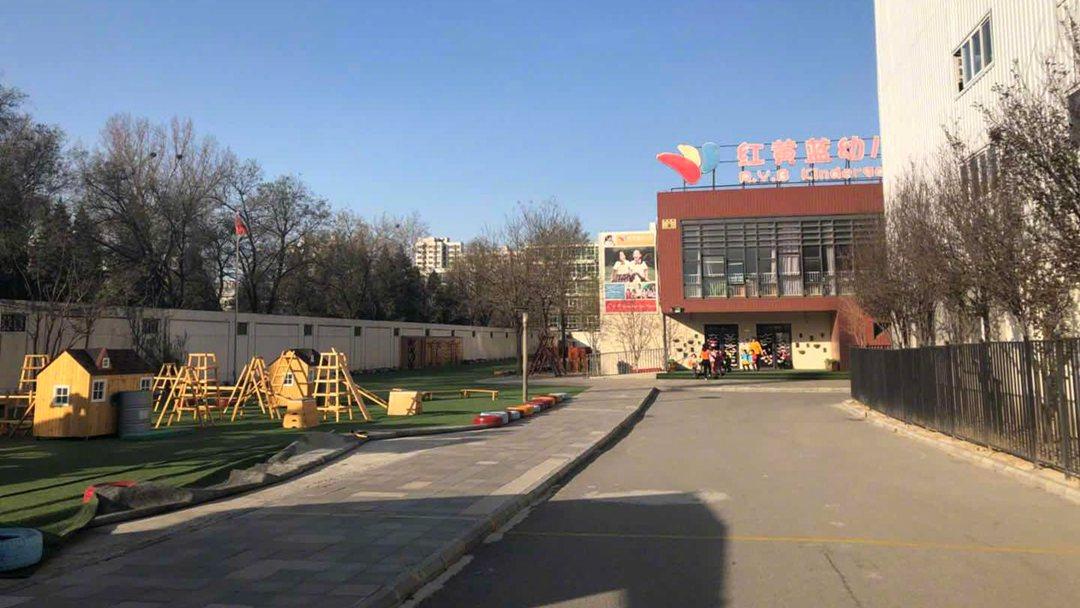 """""""老虎团""""政委冯俊峰就涉及部队传闻答记者问"""