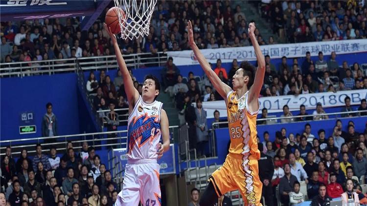 手感不佳 上海男篮95比119负于浙江