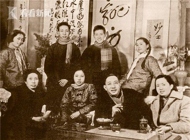 全家福(1963 年春节).jpg