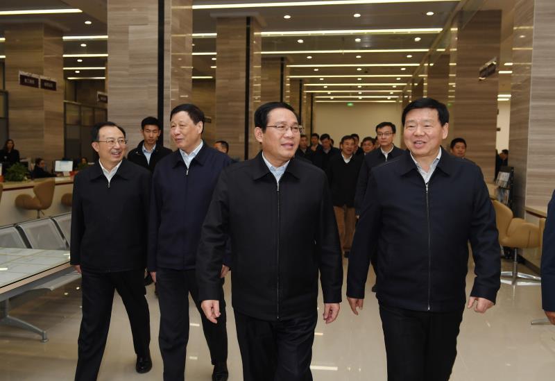 上海党政代表团来到江苏政务服务中心