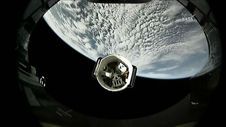 """史上首次!美国""""二手""""火箭和飞船同返太空"""