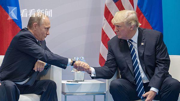 当地时间2017年7月7日,G20峰会期间,美国总统特朗普与俄罗斯总统普京举行双边会谈,这也是两人的首次正式会面。