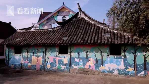 墙壁上的农民画..jpg