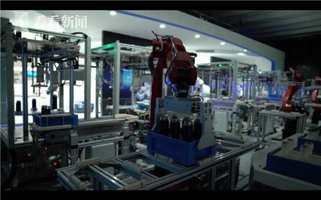 机器人生产流水线.jpg