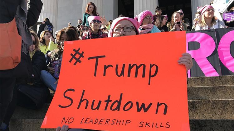特朗普就职一周年大礼包 政府关门全美大示威