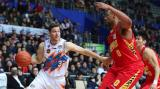 上海男篮93比82力克深圳季后赛悬念留至最后一轮