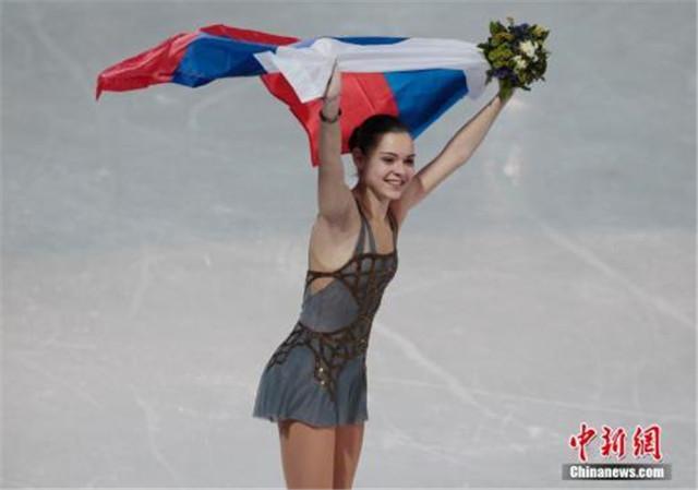资料图片: 2014年索契冬奥会花样滑冰女子单人滑自由滑比赛,俄罗斯选手SOTNIKOVA Adelina夺得花滑女单冠军。