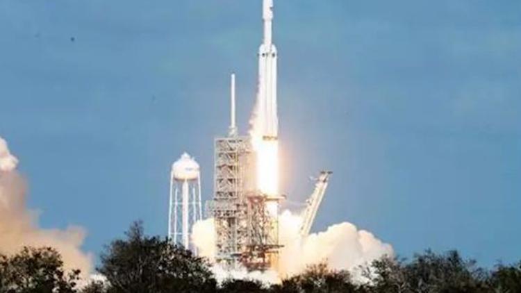 美俄向太空出大招 中国重型火箭要按不住了?