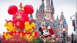 上海迪士尼再迎大客流 现场停售门票排队达4小时