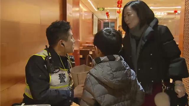 【爱申活 暖心春】0.05平方公里的责任:豫园执勤民警的