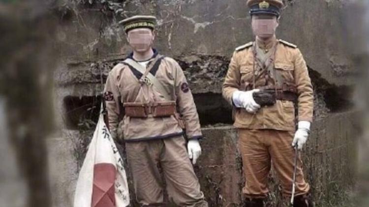 抗战遗址拍日本军服照被拘留 警方公布抓捕画面