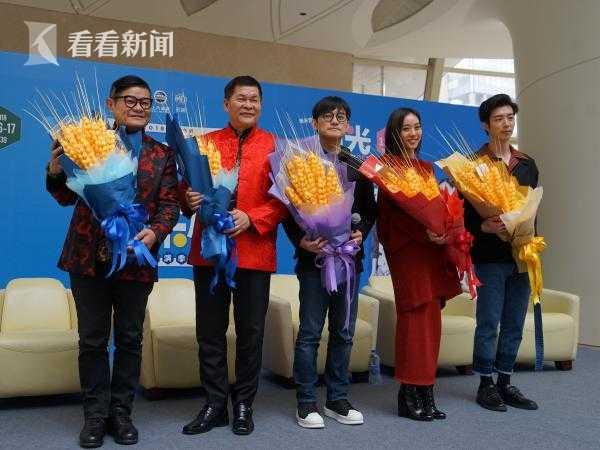 从左至右:许效舜、澎恰恰、陈建骐、刘容嘉、廖允杰