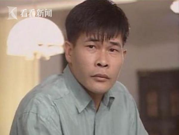 """澎恰恰饰《家有仙妻》中的""""陈天贵"""""""