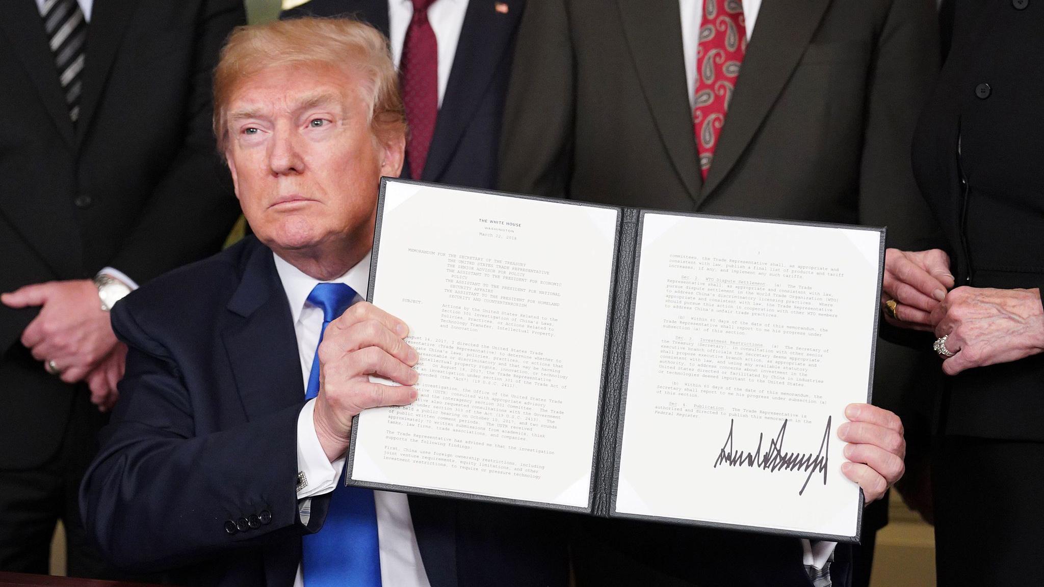 特朗普签署备忘录 将对中国商品大规模征收关税